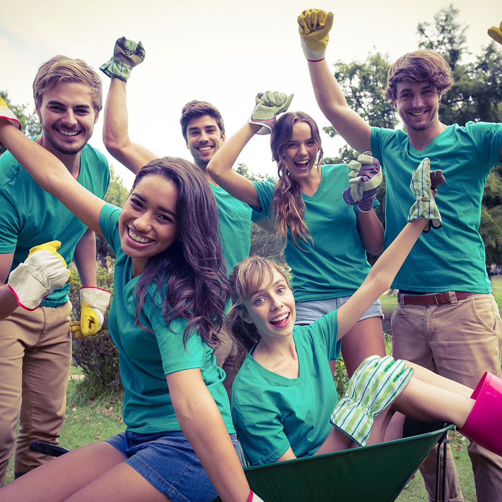 Youth volunteering image